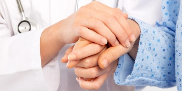 Medical-doctor-holing-senior-patients-hands-1160x480